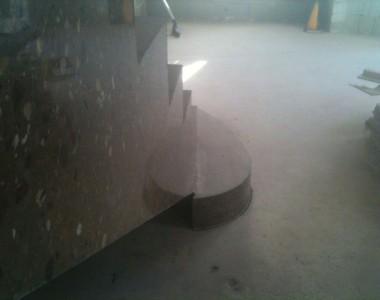 Γυάλισμα σκάλας από τσιμέντο